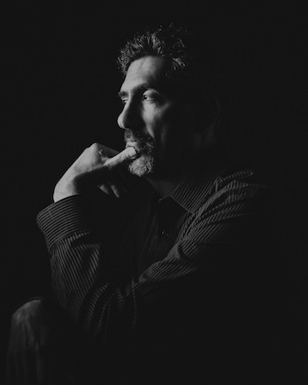 آدم كول مؤلف ومعلم موسيقى لمدة 12 عاما ، شارك في تأسيس أكاديمية غرانت بارك للفنون ، عمل كمدير للمشروع في وزارة التربية والتعليم بجورجيا .